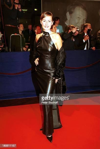 Name folgt Preisverleihung 'Bambi 2001' Berlin Deutschland Europa 'Estrel Convention Center' roter Teppich Ankunft sexy Abendkleid