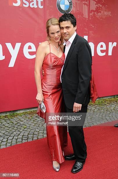 """Namen auf Wunsch, 21. Bayerischer Fernsehpreis 2009, Preis: """"Der Blaue Panther"""", Prinzregententheater, München, Bayern, Deutschland, Europa, roter..."""