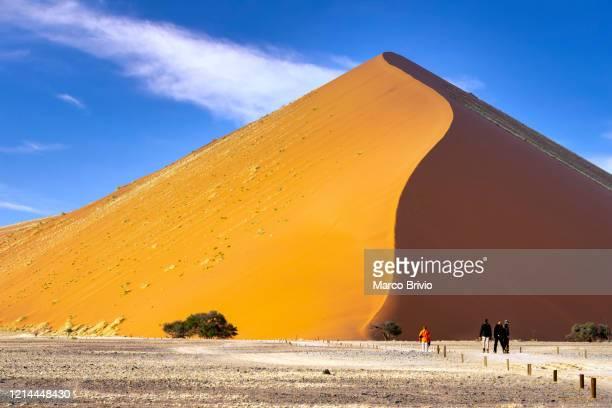 namibia. sossusvlei. namib desert - marco brivio stock pictures, royalty-free photos & images