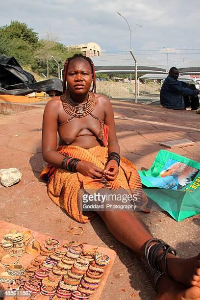namibie: fournisseurs de windhoek - himba photos et images de collection