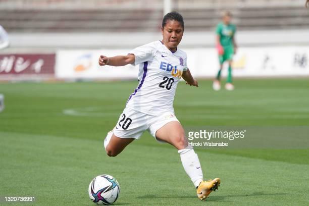 Namie Shimabukuro of Sanfrecce Hiroshima Regina in action during the WE League preseason match between MHI Urawa Reds Ladies and Sanfrecce Hiroshima...