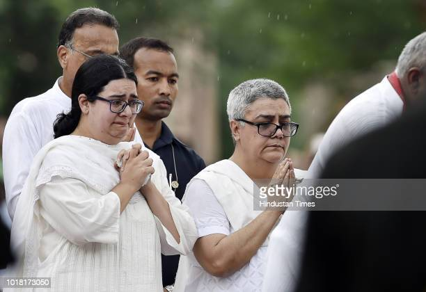 Namita Kaul Bhattacharya daughter along with Niharika Bhattacharya grand daughter of Late Atal Bihari Vajpayee seen crying while performing the last...