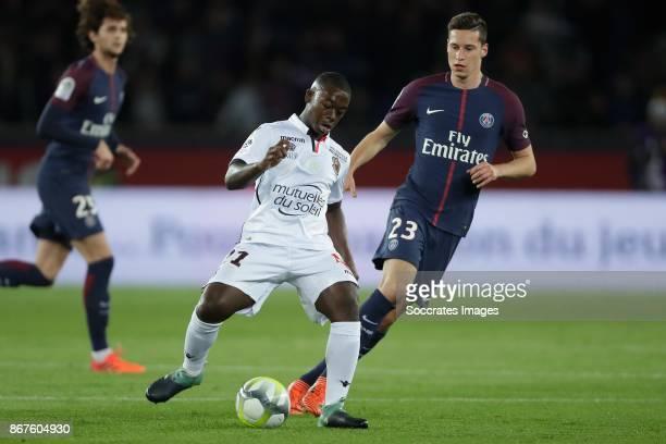 Nampalys Mendy of Nice Julian Draxler of Paris Saint Germain during the French League 1 match between Paris Saint Germain v Nice at the Parc de...