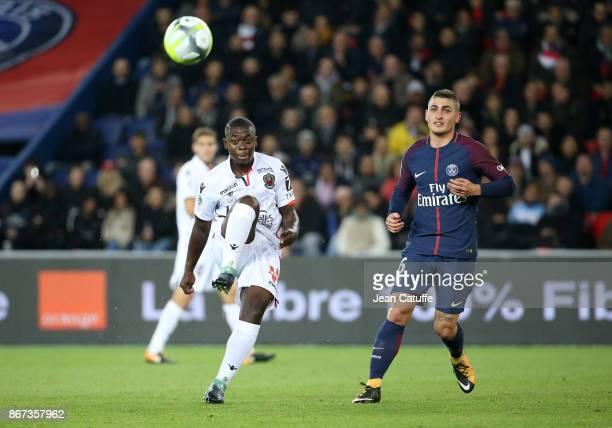 Nampalys Mendy of OGC Nice Marco Verratti of PSG during the French Ligue 1 match between Paris SaintGermain and OGC Nice at Parc des Princes stadium...