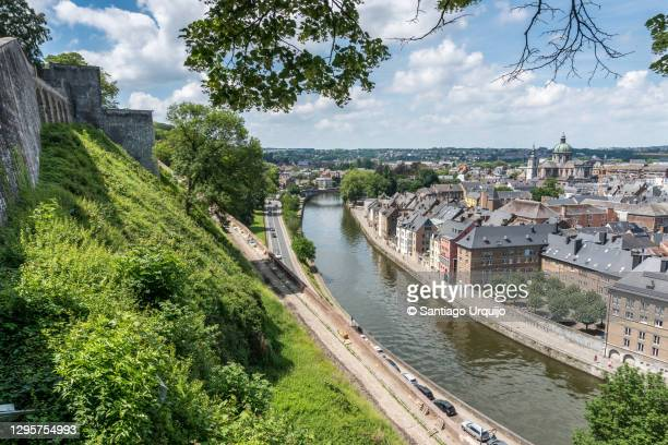 namur city alongside the meuse river - ナミュール州 ストックフォトと画像