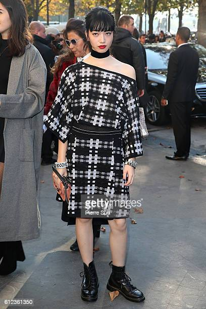 Nana Komatsu arrives at the Chanel show as part of the Paris Fashion Week Womenswear Spring/Summer 2017 on October 4 2016 in Paris France