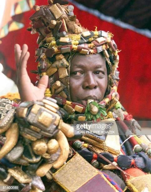 Nana Kwaku Dua Ghana's Ashanti new king waves to the crowd 26 April 1999 in Koumasi Nana Kwaku Dua a business executive belonging to the upper...