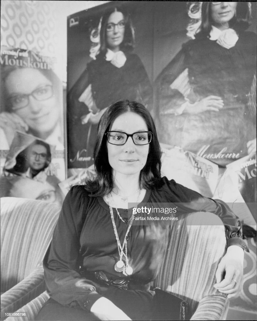 Nana Moukouri at the Hotel today.Greek singer Nana Mouskouri held a press conference at the Boulevarde Hotel today. : Photo d'actualité