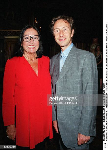 Nana Mouskouri and 'Stephane Bern' 'Nana Mouskouri' receives the Vermeil medal from the city of Paris