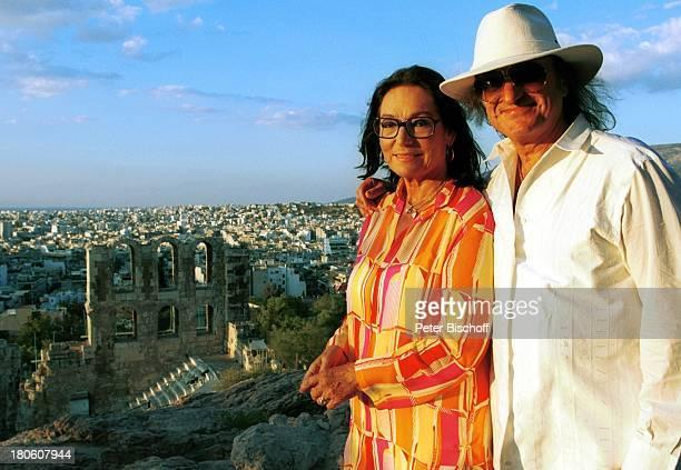 Nana Mouskouri AndrŽÏChapelle Dreharbeiten zum ARDSpecial Ein Star und seine Stadt Athen Griechenland Stadt