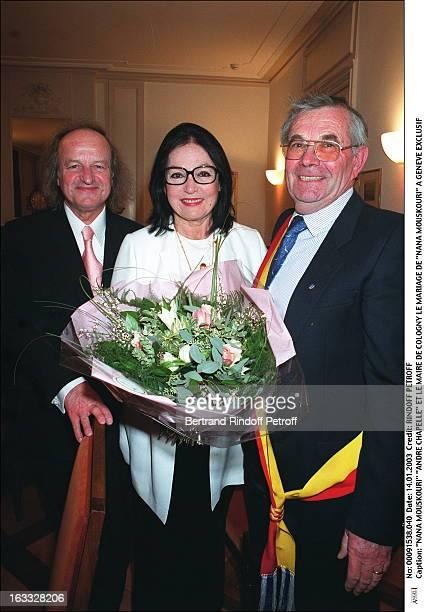 Nana Mouskouri Andre Chapelle and mayor De Cologny the wedding of Nana Mouskouri in Geneva bouquet of flowers