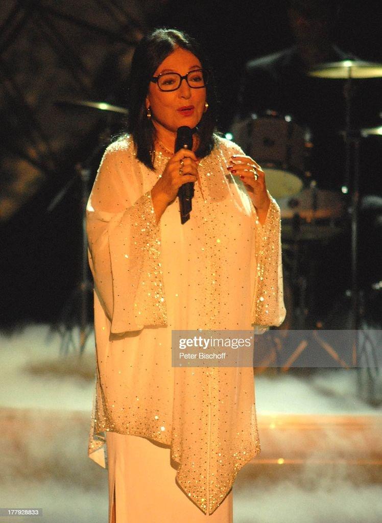 "Nana Mouskouri, Background-Musiker, ZDF-Show ""Willkommen bei C a : Fotografía de noticias"