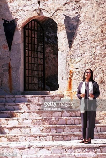 Nana Mouskouri Dreharbeiten zum ARDSpecial 'Ein Star und seine Stadt' Athen Griechenland Herodion singen