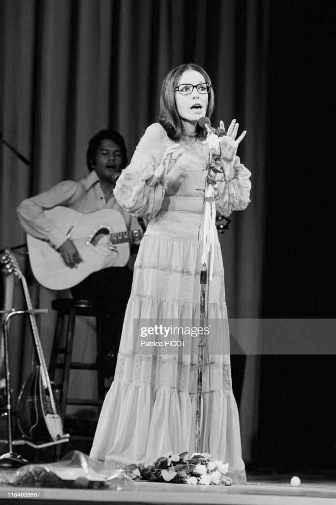 Nana Mouskouri en concert en 1978 : Photo d'actualité
