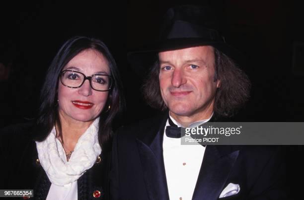 Nana Mouskouri et André Chapelle lors du concert de Charles Aznavour et Liza Minnelli à Paris le 20 novembre 1991 France