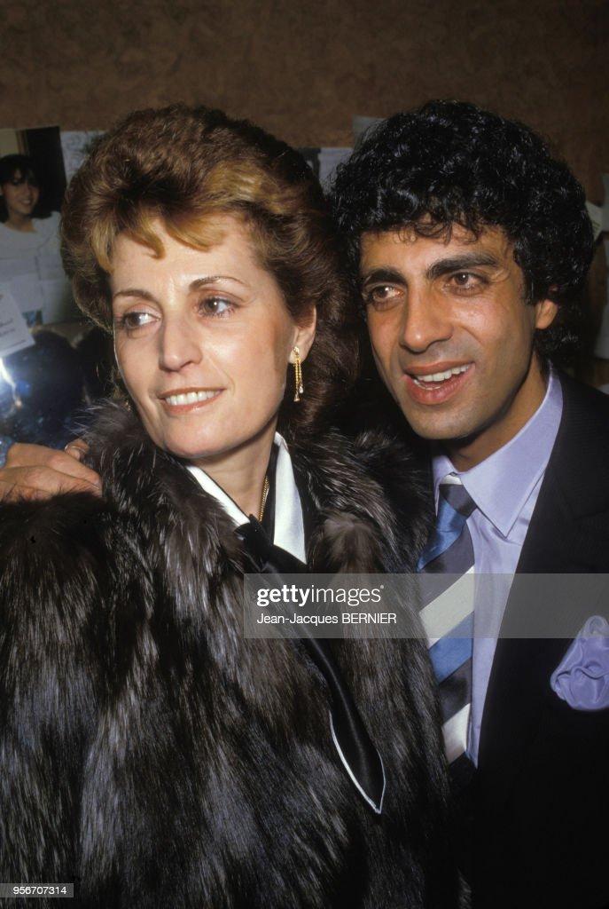 Nana Mouskouri et sa femme en 1985 : Photo d'actualité