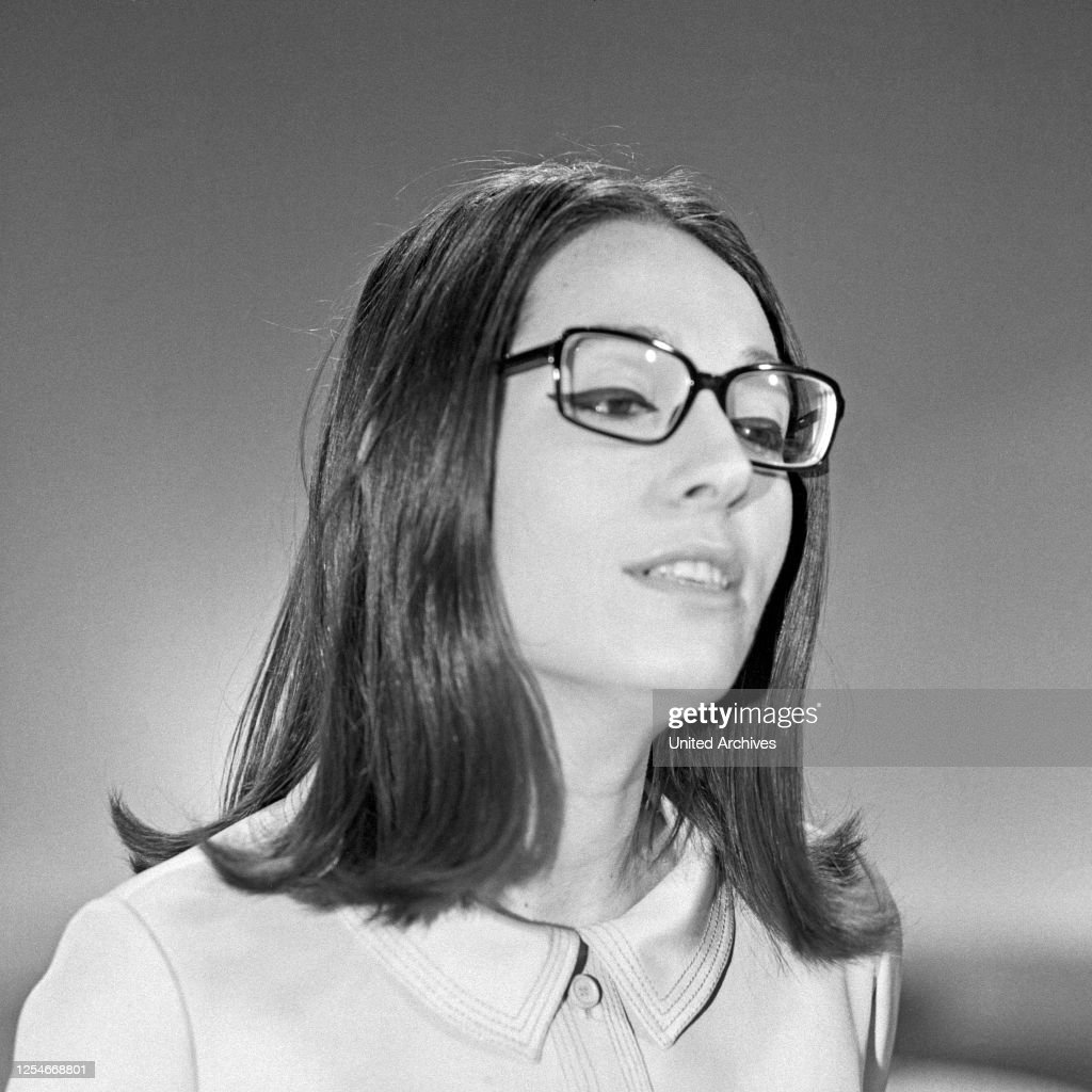 Nana Mouskouri : News Photo