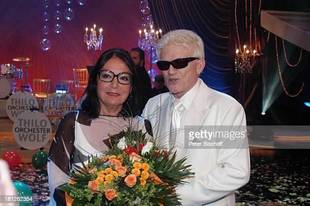 "Nana Mouskouri, Heino, ARD-Show ""Herzlichen Glückwunsch - die M I C A E L S C H A N Z E Jubiläumsgala"", ""Europapark Rust"", Silver Star Dome, Rust, ,"