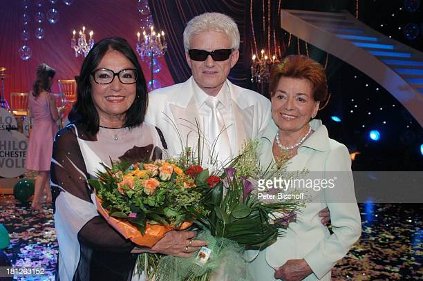 "Nana Mouskouri, Heino, Lys Assia , ARD-Show ""Herzlichen Glückwunsch - die M I C A E L S C H A N Z E Jubiläumsgala"", ""Europapark Rust"", Silver Star..."
