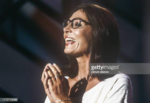 Nana Mouskouri in September 1981 in Berlin. The greek singer and politician was born an 13 October 1934. | usage worldwide