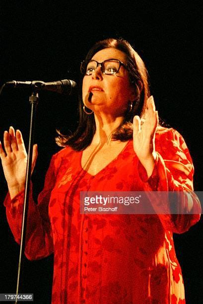 Nana Mouskouri Konzert Congreß CentrumBremen Mikrofon Brille