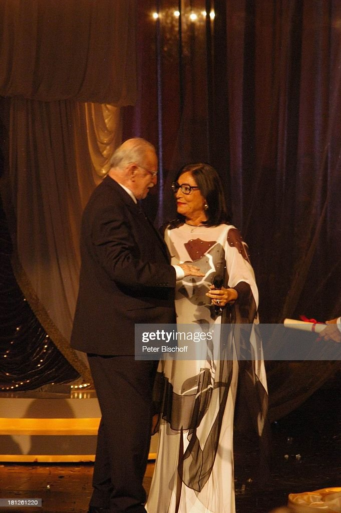 Nana Mouskouri, Konzertveranstalter Fritz Rau, ARD-Show 'Herzlic : Fotografía de noticias