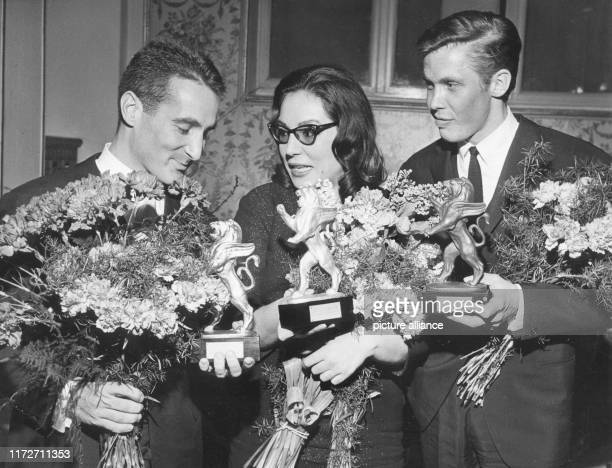 Nana Mouskouri on in the Kurhaus of Bad Soden with Peter Kraus and Freddy Quinn at the award ceremony of the Golden Lions of Radio Luxemburg The...