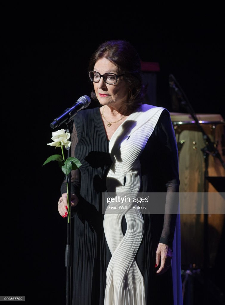 Nana Mouskouri Performs At Salle Pleyel In Paris : News Photo