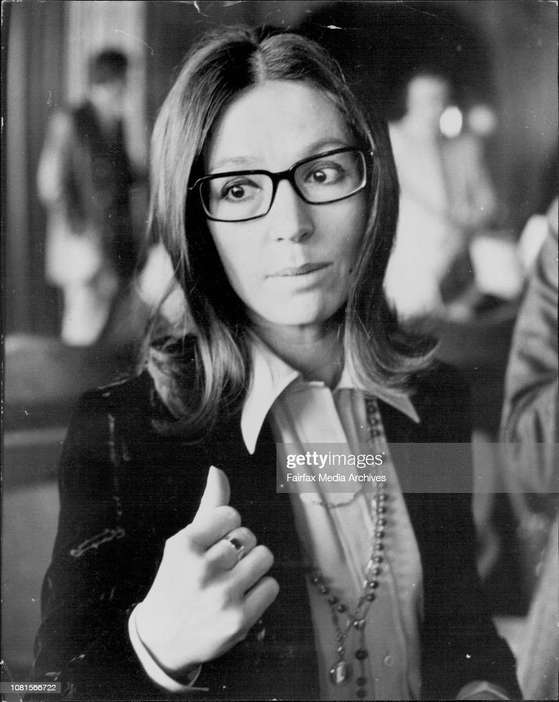 Nana Mouskouri was this afternoon presented with a gold record at the Caprice Restaurant Rose Bay.Nana Mouskouri. : Photo d'actualité