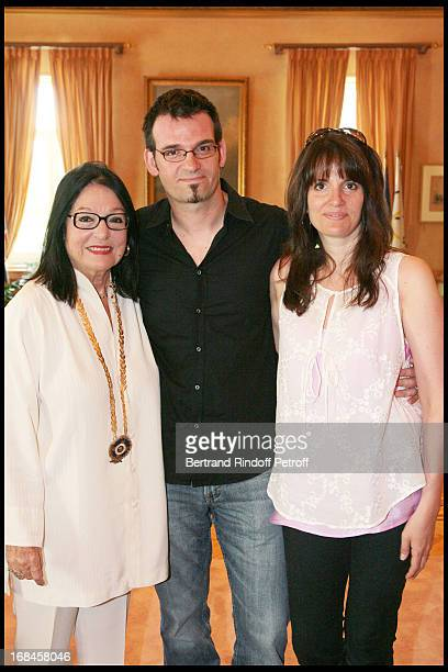 Nana Mouskouri with her children Nicolas and Lenou during a ceremony awarding Nana Mouskouri with the Gold Medal of the city of Athens within at Nana...
