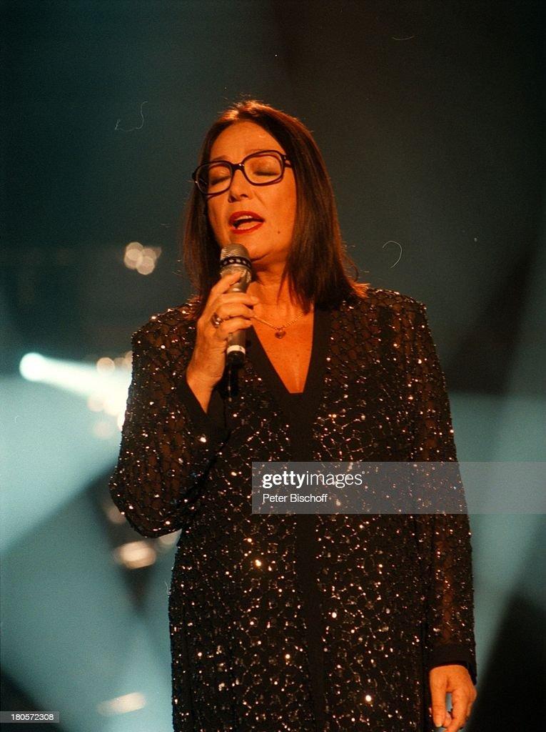 Nana Mouskouri, ZDF-Musikshow 'Die große;Show der Sieger', Berli : Fotografía de noticias