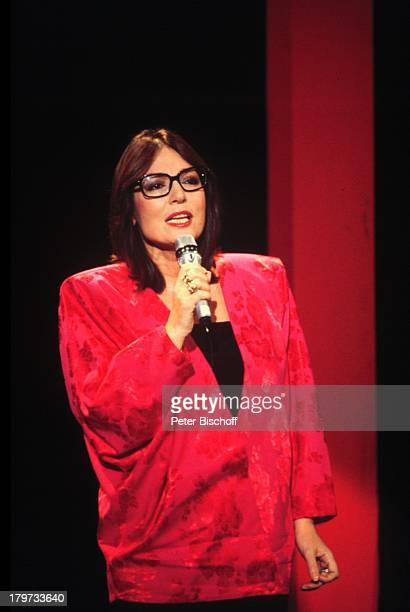 "Nana Mouskouri, ZDF-Show ""Wetten, daß; ?,;Auftritt, Brille,"