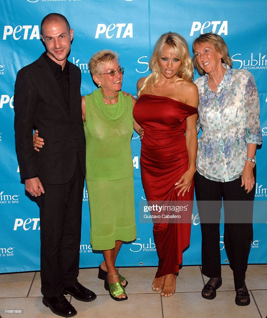 PETA Hosts Pamela Anderson 40th Birthday : News Photo