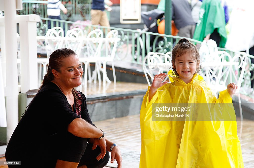 Thomas Beatie And Family Enjoy Day At Amusement Park : News Photo