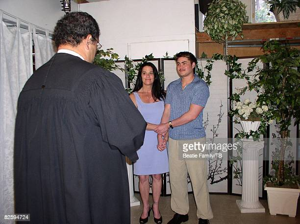 ACCESS*** Nancy Beatie and Thomas Beatie at the Justice of Peace on their wedding day on February 5 2003 in Honolulu Hawaii
