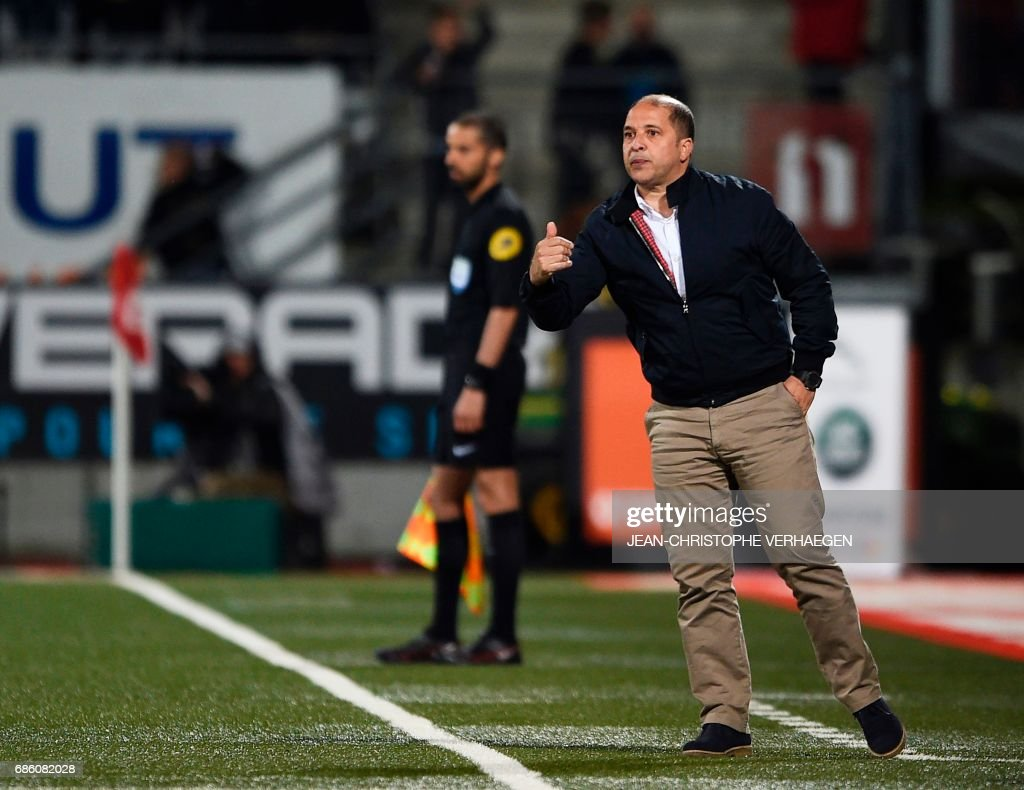 Nancy's Uruguayan coach Pablo Correa gestures during the French L1 football match between Nancy (ASNL) and Saint-Etienne (ASSE) on May 20, 2017 at Marcel Picot stadium in Tomblaine, eastern France. /