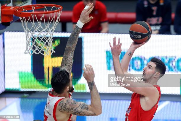 Nando de Colo #1 of CSKA Moscow competes with Vincent Poirier #17 of Baskonia Vitoria Gasteiz in action during the 2017/2018 Turkish Airlines...