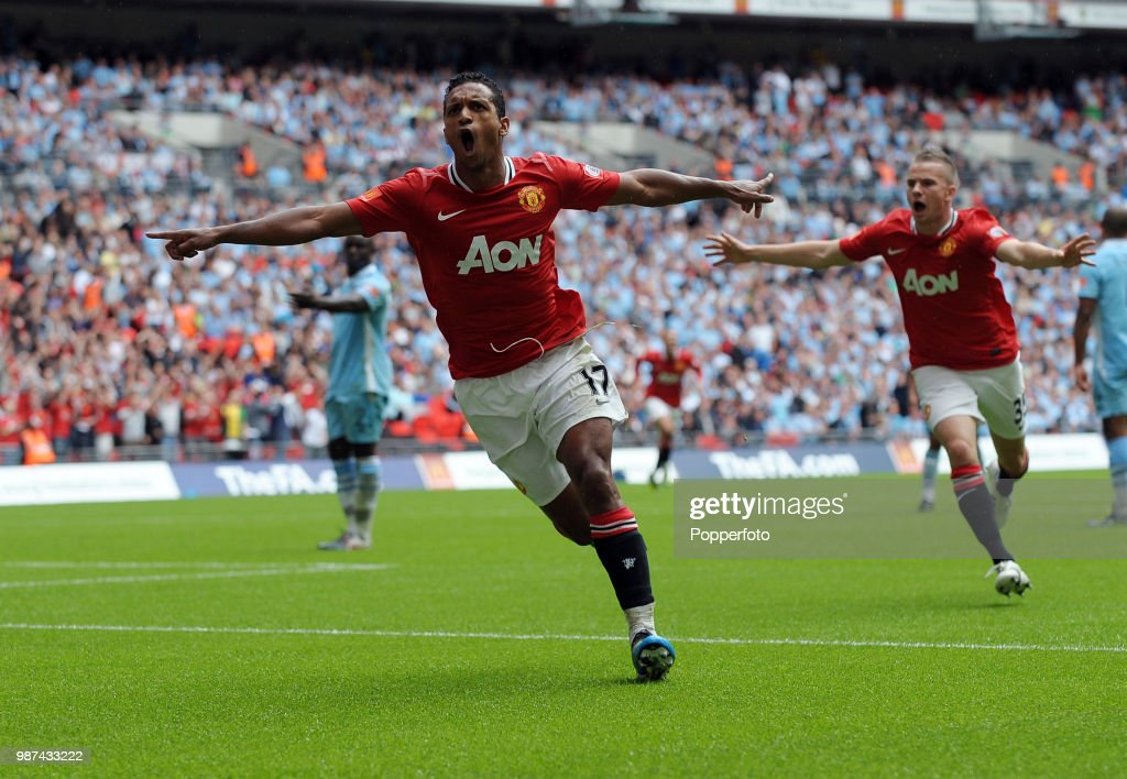 Manchester City v Manchester United - FA Community Shield : News Photo