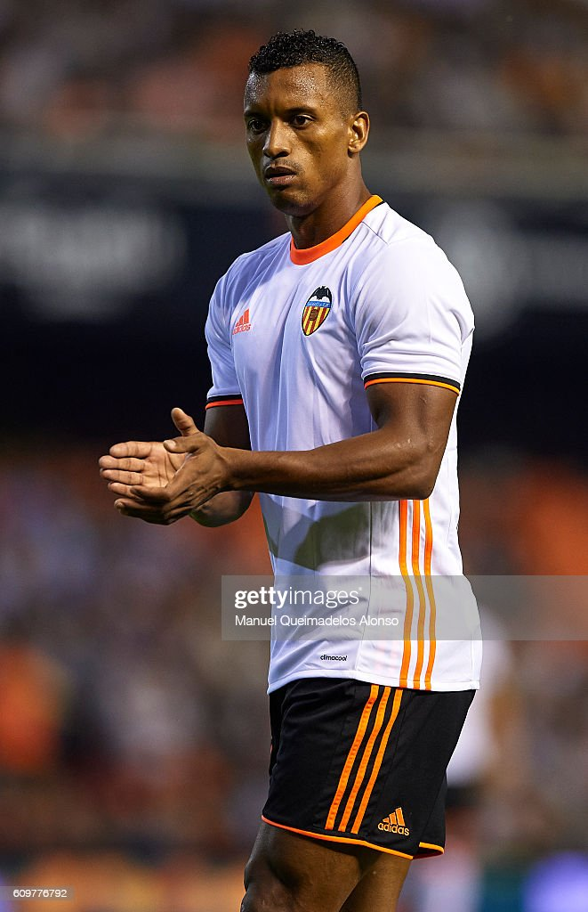 Valencia CF v Deportivo Alaves - La Liga