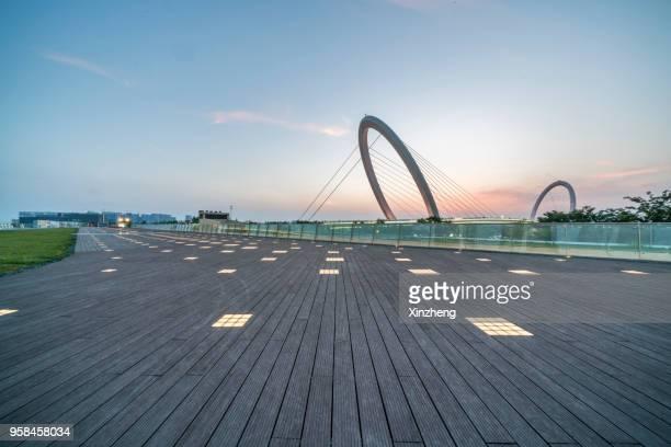 nanjing eye bridge at dusk - 人工建造物 ストックフォトと画像