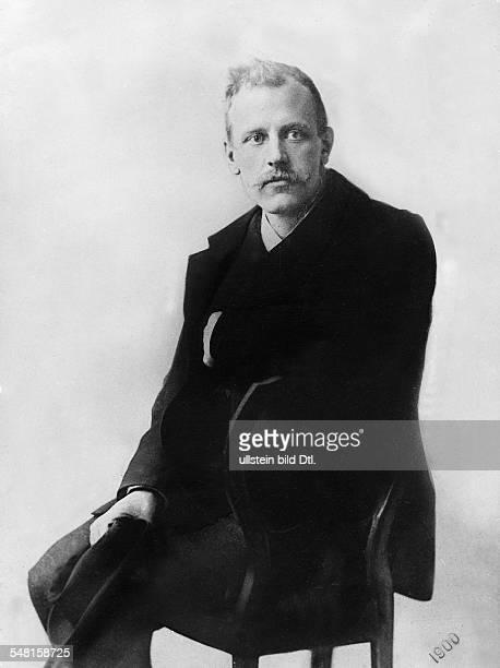 Nansen Fridtjof *10101861 Polarforscher Zoologe Staatsmann Norwegen Friedensnobelpreis 1922 Halbportrait sitzt auf einem Stuhl undatiert