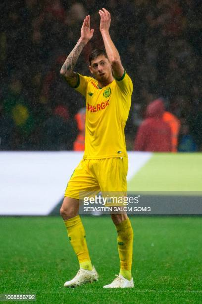 Nantes' Argentinian forward Emiliano Sala applauds during the French L1 football match between FC Nantes and Olympique de Marseille at the La...