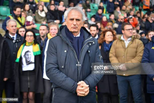 Nantes' Bosnian head coach Vahid Halilhodzic pays tribute to late Argentinian forward Emiliano Sala prior to the French L1 football match between...