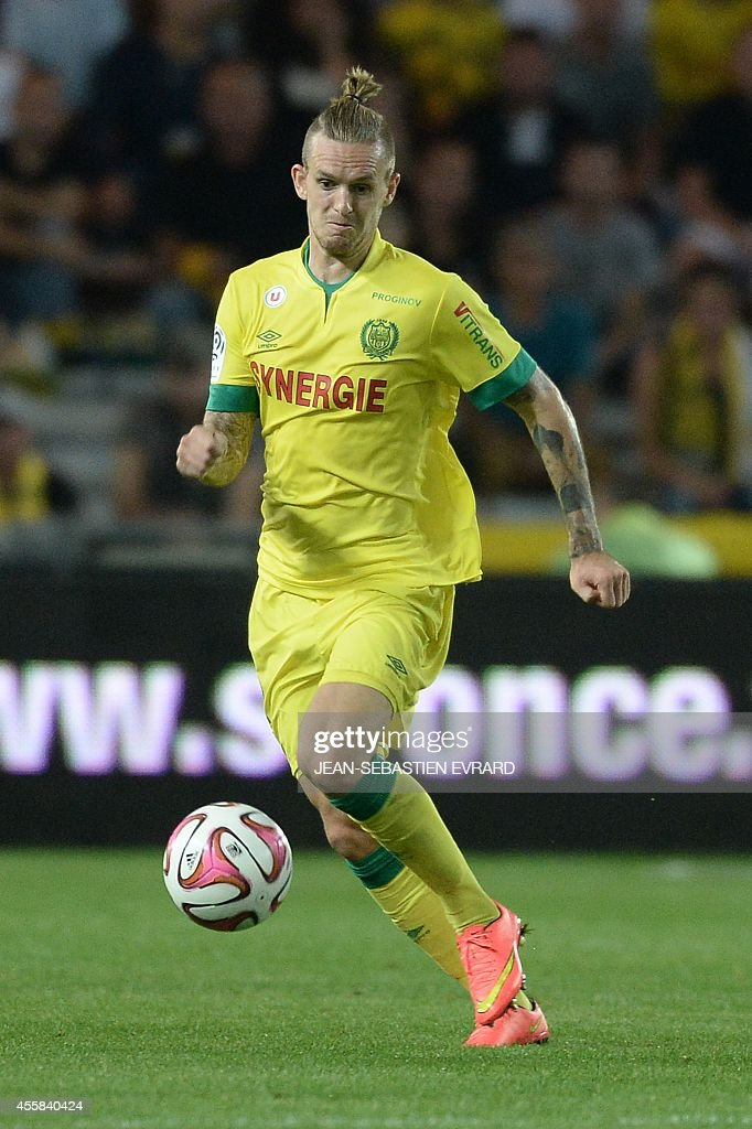 Nantes' Danish defender Kian Hansen runs with the ball during the French L1 football match between Nantes (FCN) and Nice (OGC) on September 20, 2014 at the Beaujoire stadium in Nantes, western France.