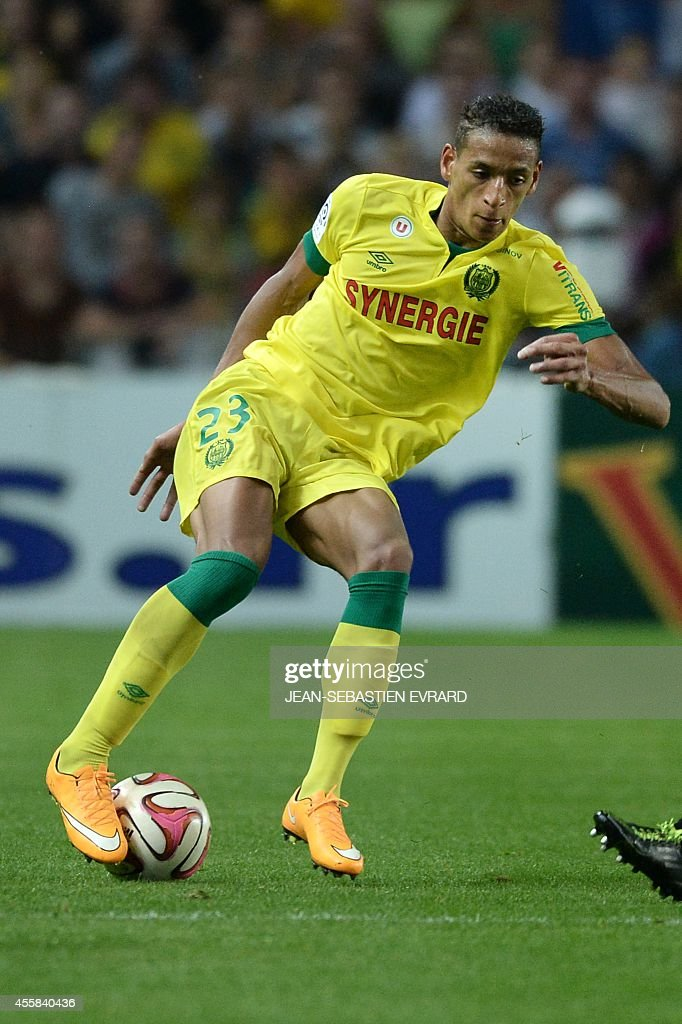 Nantes' French forward Yacine Bammou runs with the ball during the French L1 football match between Nantes (FCN) and Nice (OGC) on September 20, 2014 at the Beaujoire stadium in Nantes, western France.
