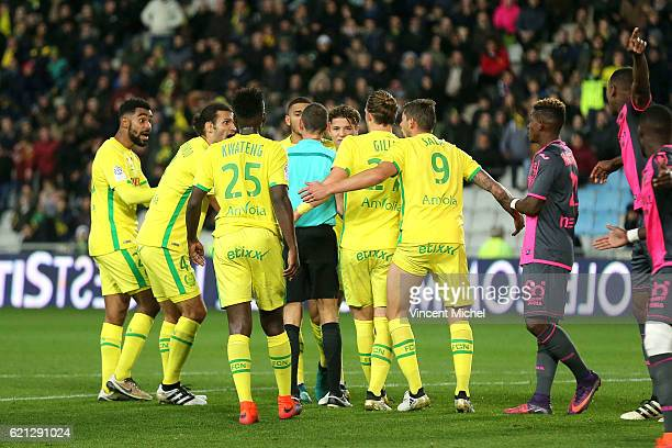 Nantes' players arguing with referee during the Ligue 1 match between Fc Nantes and Toulouse Fc at Stade de la Beaujoire on November 5 2016 in Nantes...