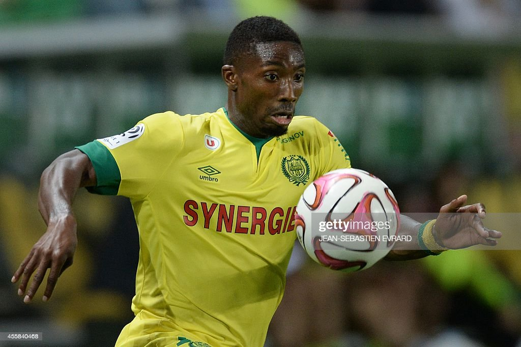 Nantes' Togolese forward Serge Gakpe controls the ball during the French L1 football match between Nantes (FCN) and Nice (OGC) on September 20, 2014 at the Beaujoire stadium in Nantes, western France.