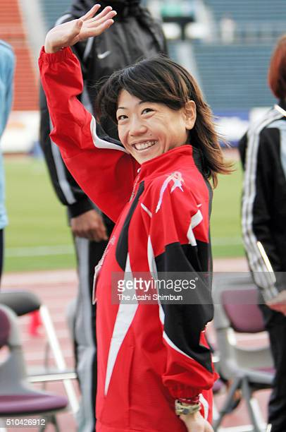 Naoko Takahashi of Japan celebrates winning the 27th Tokyo International Women's Marathon at the National Stadium on November 20 2005 in Tokyo Japan