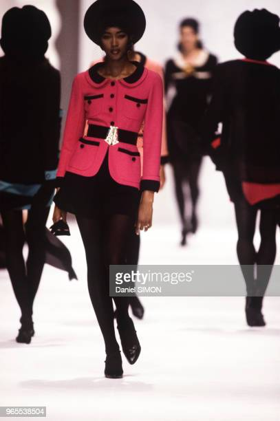 Naomi Campbell au défilé Chanel PrêtàPorter collection Printemps/été 1990 à Paris le 23 octobre 1989 France