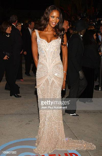 Naomi Campbell during 2004 Vanity Fair Oscar Party - Arrivals at Mortons in Beverly Hills, California, United States.
